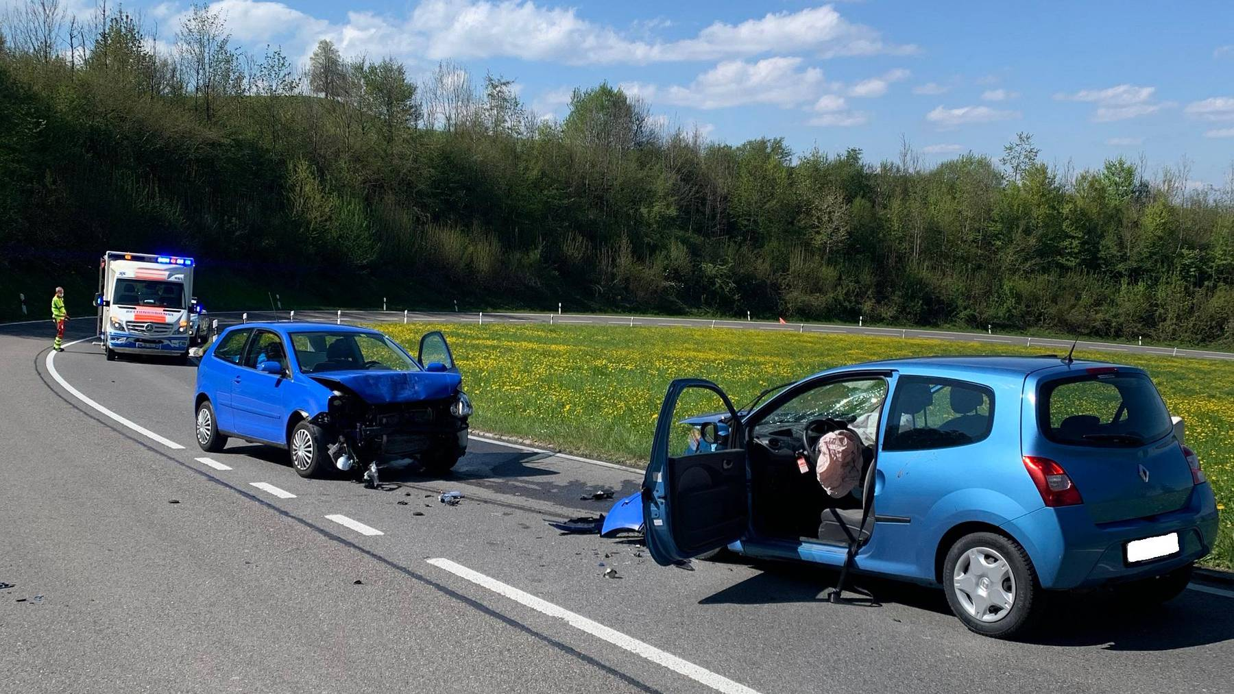 Die beiden beteiligten Fahrzeuglenker wurden bei der Kollision verletzt, der 39-jährige Mann schwer.