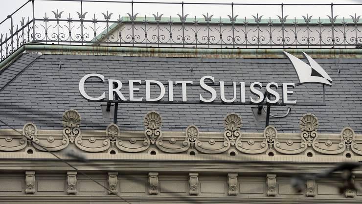 Die Grossbank Credit Suisse schliesst in einer «Neuausrichtung» landesweit 37 Filialen. (Symbolbild)