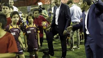 Carlo Ancelotti beim Training mit Kindern in Jerusalem