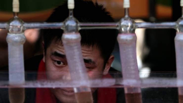 """""""Sehr einfach und grob"""": Eine Bande von chinesischen Raubkopierern hat Kondome gefälscht. (Symbolbild)"""