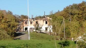 Das Einfamilienhaus mit Scheunenanbau im Ortsteil Kirchbözberg wurde beim Vollbrand am 29. September komplett zerstört. CM