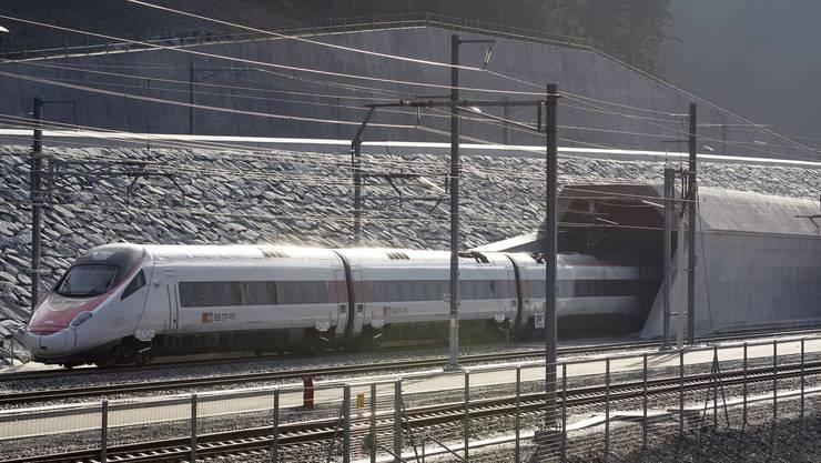 """Die SBB wollen die Fahrzeit auf der Strecke zwischen Zürich und Mailand mit dem """"Superveloce"""" unter drei Stunden drücken. (Archiv)"""