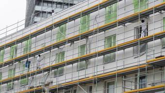 Pro Jahr wird nur rund eines von 100 Häusern in der Schweiz saniert. Um den Energieverbrauch im Gebäudesektor zu senken wie in der Energiestrategie 2050 vorgesehen, müsste sich diese Rate mehr als verdoppelt.