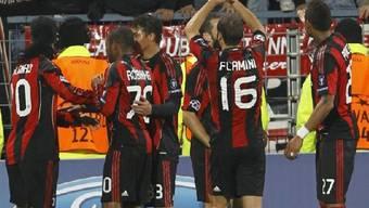 Milan sichert sich Achtelfinals-Ticket