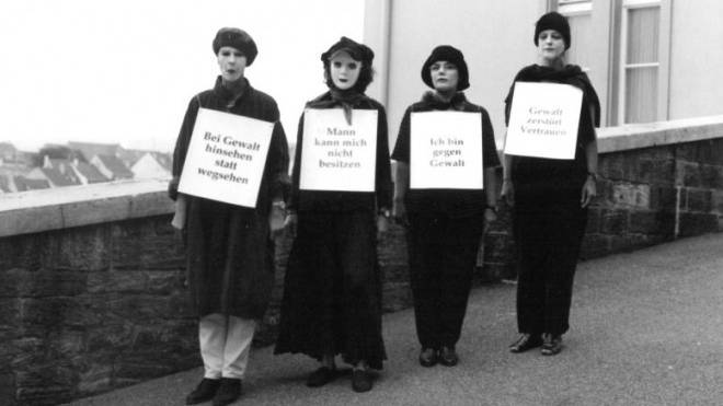 Mitarbeiterinnen des Frauenhauses kämpften Ende der 90er-Jahre dafür, häusliche Gewalt zu enttabuisieren. Foto: ZVG