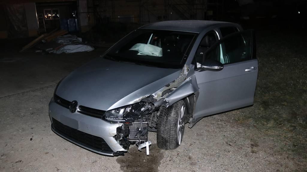 Nach Unfall: Blaufahrer bietet alkoholisierte Helfer auf