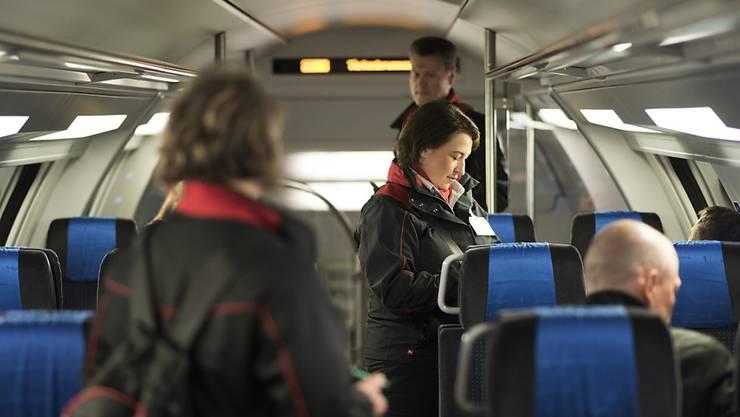 Die Ombudsstelle des Kantons Zürich erhielt im vergangenen Jahr zahlreiche Beschwerden zu Kontrollen im öffentlichen Verkehr. (Symbolbild)