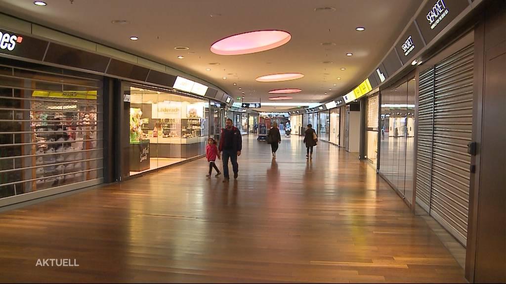 Geisterhafte Stimmung im Shoppingcenter Spreitenbach