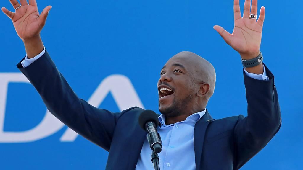 Chef der grössten Oppositionspartei tritt wegen Anfeindungen zurück