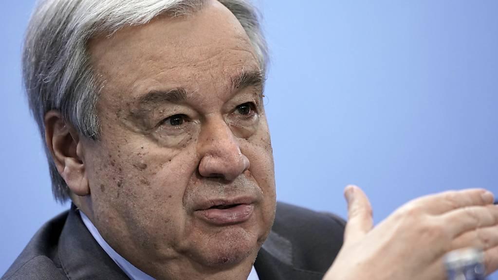 ARCHIV - Antonio Guterres, Generalsekretär der Vereinten Nationen, spricht auf einer Pressekonferenz. Foto: Michael Kappeler/dpa/Pool/dpa