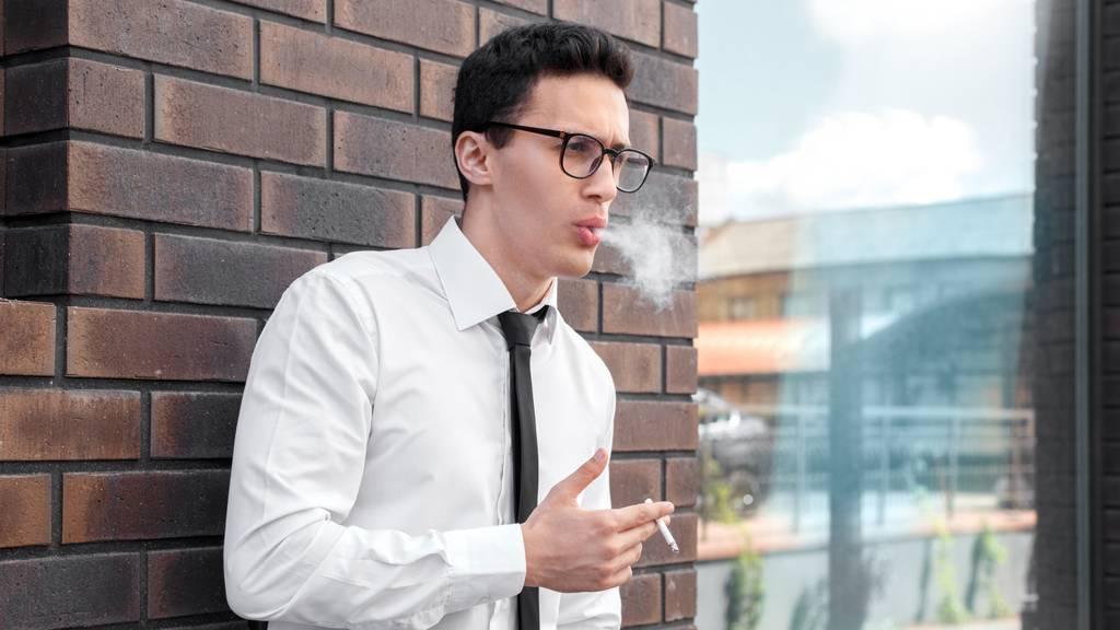 Chef gibt Nichtrauchern fünf Tage mehr Ferien