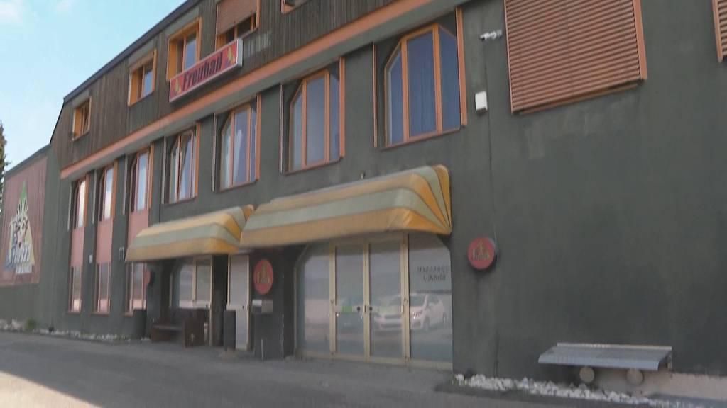 Buttersäure in Recherswil (SO): Unbekannte verüben Anschlag auf Puff