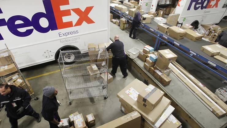 FedEx-Sortieranlage in New York: Der US-Paketdienst konnte im ersten Quartal Umsatz und Gewinn steigern.