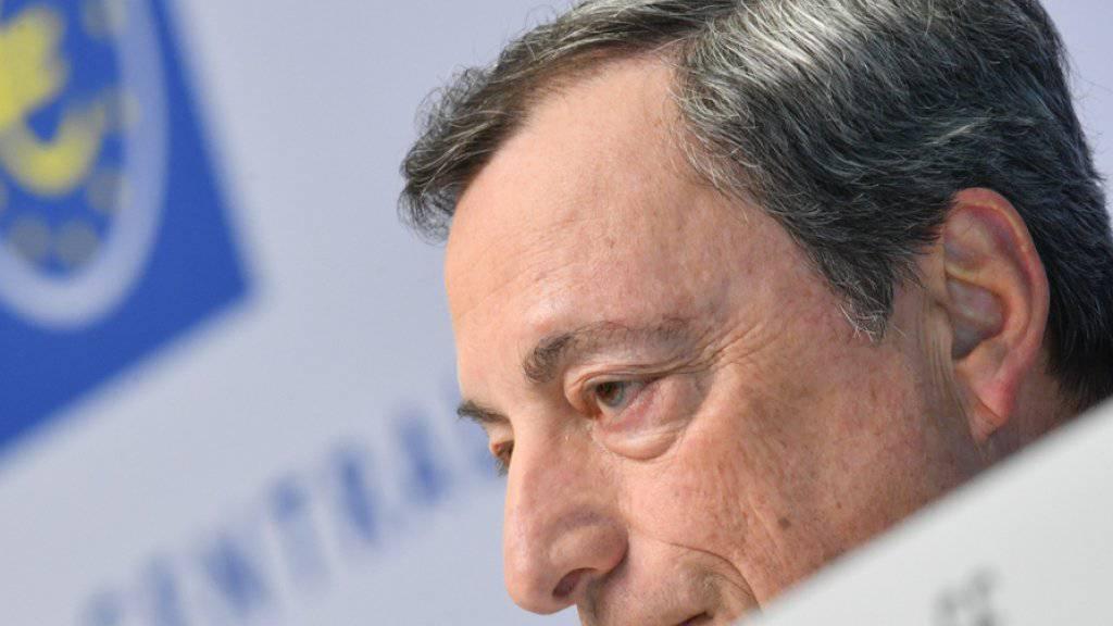 Hält an der lockeren Geldpolitik fest: Mario Draghi, Präsident der Europäischen Zentralbank. (Archiv)