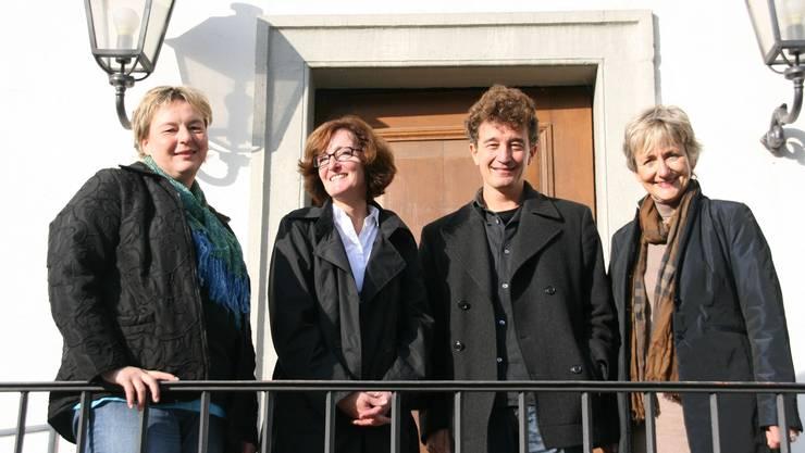 Einladung ins Schloss Barbara Biedermann, Andrea Gmür, Adrian Kiener und Barbara Lüthi von Pro Schöftland (v. l.) freuen sich auf viele Besucher an der Schöftler Woche. (ba)