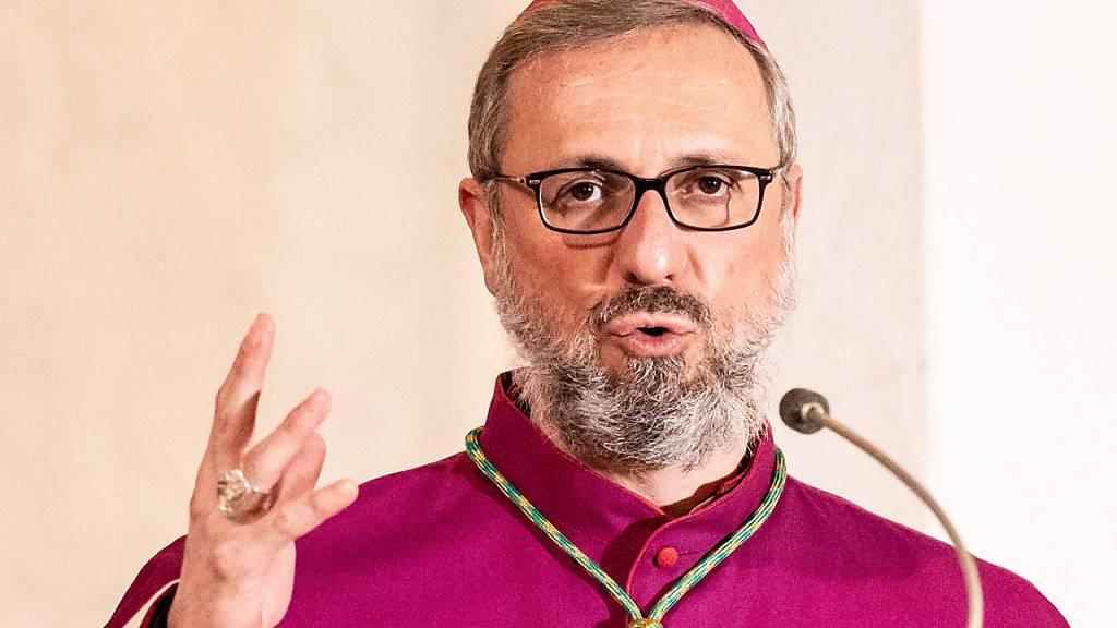 Papst nimmt Amtsverzicht von Hamburgs Erzbischof nicht an
