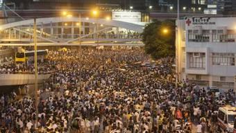 Tausende Menschen demonstrieren in Hongkong