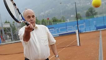 Sportminister Ueli Maurer steht auf der Schlussetappe im Einsatz