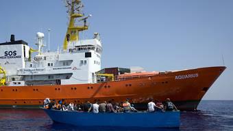 Die Hilfsorganisation SOS Méditerranée sucht ein neues Schiff. (Archivbild)