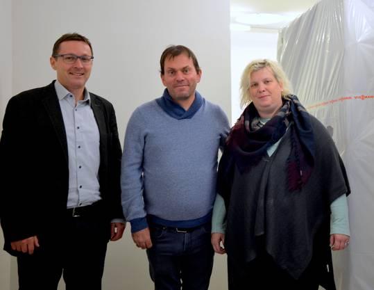 Bruno Eberhard (links) freut sich über die neue Käserei in Deitingen, die von Jacqueline Calame und Patrick Misteli am Samstag eröffnet wird.
