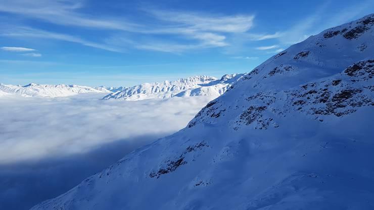 Die Nebeldecke über dem Tal ist auch nicht ohne.