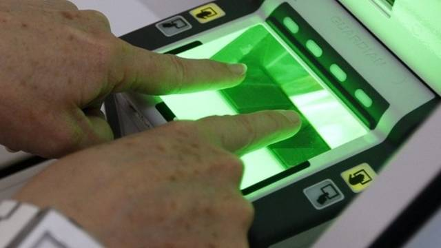 Fingerabdrücke wohl bald auch für Ausländer Pflicht (Archiv)