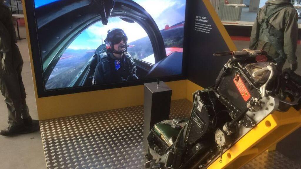 Das Verkehrshaus informiert mit einer neuen Themeninsel über den Beruf des Militärpiloten.