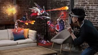 Die «HoloLens» von Microsoft nimmt die Umgebung wahr und reichert sie mit digitalen Elementen an. Nun entwickeln Tech-Firmen alltagstauglichere Datenbrillen.