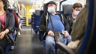 Pendeln in Coronazeiten: Noch immer tragen nur wenige Reisende eine Schutzmaske.
