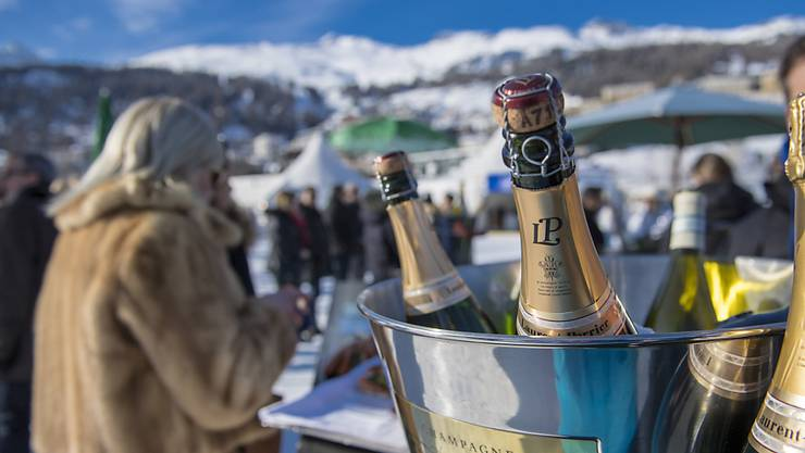 Da fliesst der Champagner: Die Schweiz ist bei der Zahl an Millionären weltweit ganz weit oben (Symbolbild).
