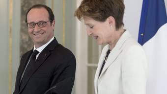 François Hollande mit Simonetta Sommaruga bei der gemeinsamen Pressekonferenz.