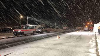 In St. Gallenkappel wurde am Dienstagabend ein Fussgänger von einem Auto angefahren und verstarb noch an der Unfallstelle.
