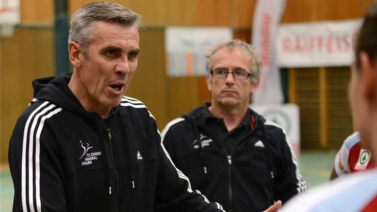 Assistenztrainer Martin Accola (rechts) ist zusammen mit Cheftrainer Samir Sarac verantwortlich für die Spar-Premium-League-Handballerinnen aus Zofingen.