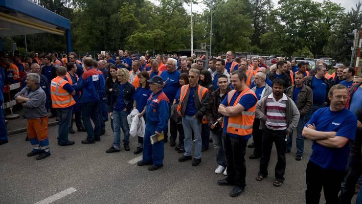 Papieri-Mitarbeiter Mitte Mai bei einer Kundgebung