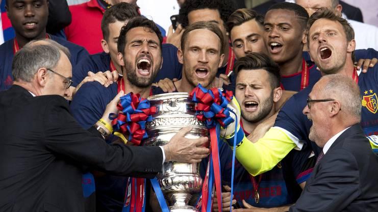 Der FC Basel um Captain Delgado schaffte, was bislang kein Team zuvor geschafft hatte: Den FC Sion in einem Cupfinal zu besiegen.