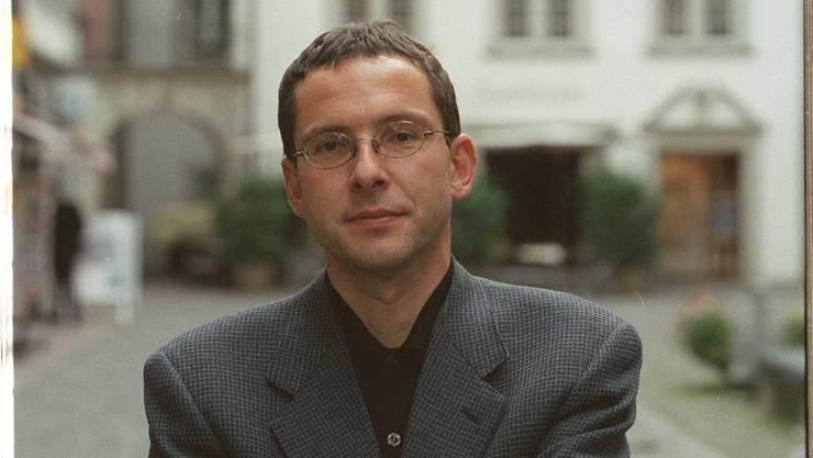 1999 wurde Urs Hofmann in den Nationalrat gewählt. Hier posiert er 2000 in Aarau.