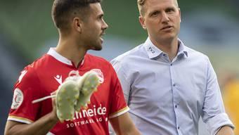 Thuns Trainer Marc Schneider (rechts) mit seinem neuen Schlüsselspieler Leonardo Bertone