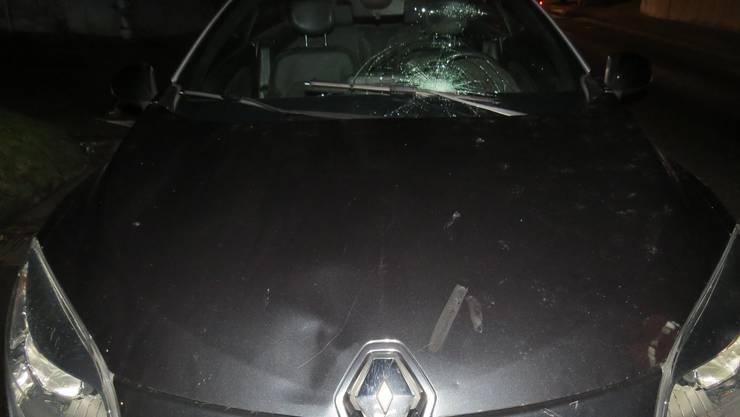 Auf der Reinacherstrasse in Beinwil am See kollidierte eine Autofahrerin mit einem 12-Jährigen.