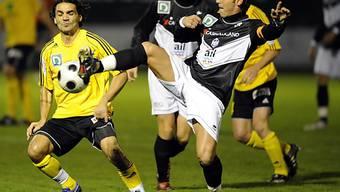 Akrobatische Aktion von Luganos 1:0-Torschütze Luca Baldo.