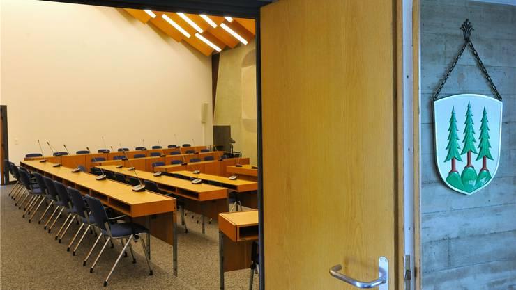 Im Saal des Gemeindeparlaments könnten in der neues Legislatur zehn Stühle überflüssig werden.
