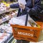 Die Migros Aare schliesst abends eine Stunde früher und streicht den Abendverkauf.