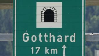 Gemäss «TCS» dauerte die Sperrung des Gotthardtunnels auf der Nordseite bis am Dienstag, 18.30 Uhr. (Symbolbild)