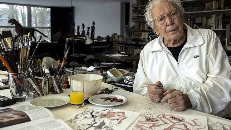Ein Bild und 38 Lithografien des verstorbenen Luzerner Kunstmalers Hans Erni wurden auf Ricardo versteigert. (Archivbild)