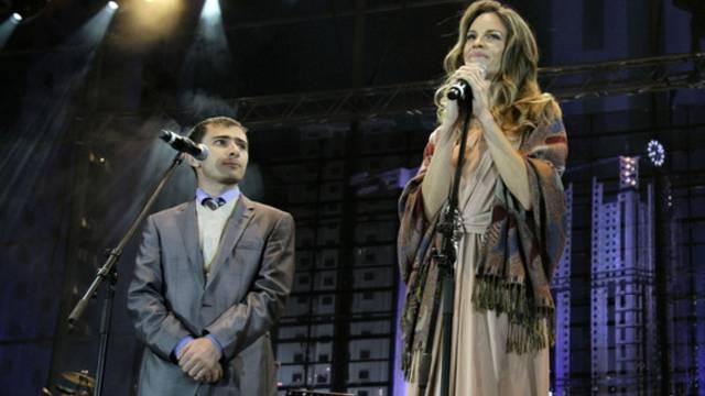 Hillary Swank bei ihrem Auftritt in Grosny-City