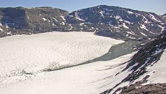 Das Schmelzwasser des Favergessee entleert sich seit 2011 immer wieder.