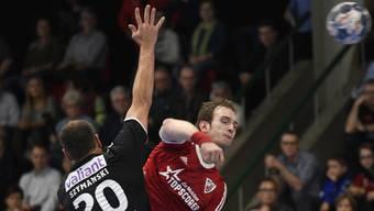 HSC-Topskorer Tim Aufdenblatten (r.) spricht über den Playoff-Start.