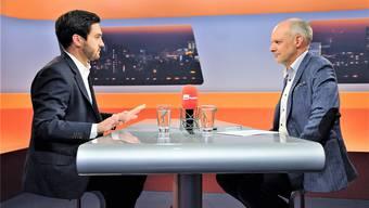 Cédric Wermuth (links) im Gespräch mit Moderator Rolf Cavalli.