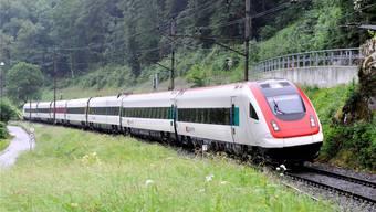 Solange es auf der Bahnlinie im Laufental (hier bei Grellingen) nur ein Gleis gibt, kann das Angebot für die Pendler und Reisenden nicht verbessert werden.