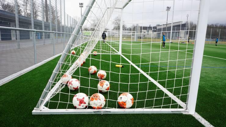 Das Kunstrasenfeld beim Sportzentrum wird bereits von auswärtigen Klubs für Trainingslager genutzt.