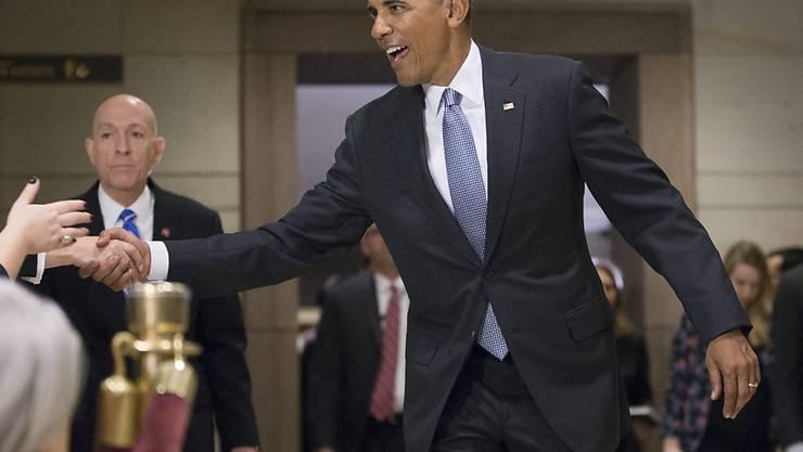US-Präsident schüttelt Hände von Anhängern nach seinem Besuch im US-Kongress zur Rettung von Obamacare